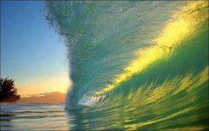 Beautiful Ocean Waves Crashing